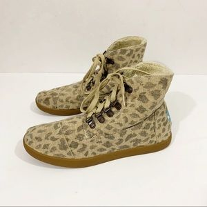 Tom's Leopard Animal Print Lace Up Ankle Boots